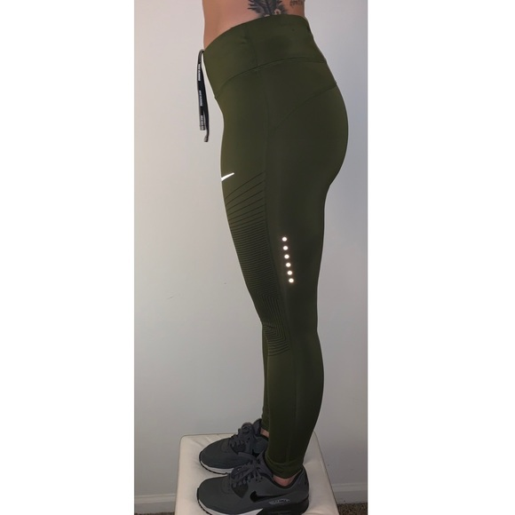 e432d71f797e9 Nike Epic Lux Running Tights in Olive Green. M_5c453d461b32943e7b594f0b